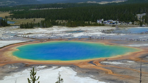 yellowstone-prismatic-lake